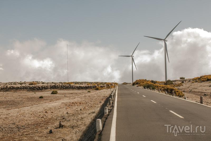 Ветряки освежают картину / Португалия