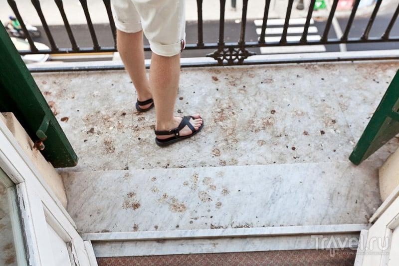 Балкон с мраморной плитой / Италия