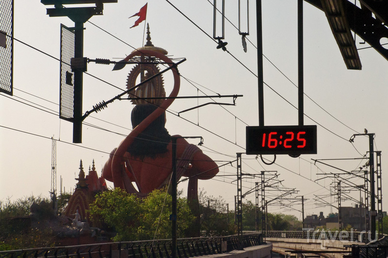 Делийское метро / Индия