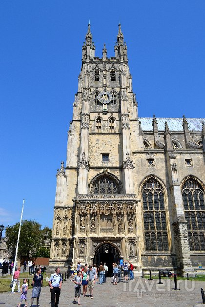 Кентербери известен своим собором / Великобритания