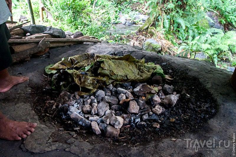 Земляная печь на острове Косрае, Микронезия / Фото из Микронезии