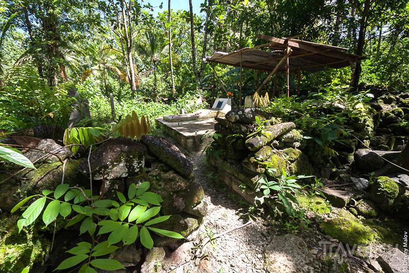 Старинные развалины на острове Лелу, Микронезия / Фото из Микронезии