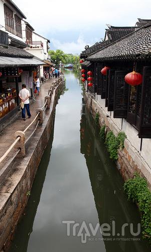 Вода в каналах / Китай
