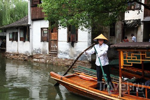 """Лодочный """"таксист"""" / Китай"""