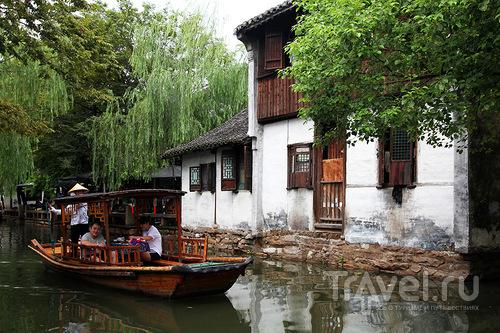 Лодка-кафе / Китай