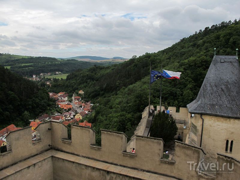 Внизу видно деревушку / Чехия