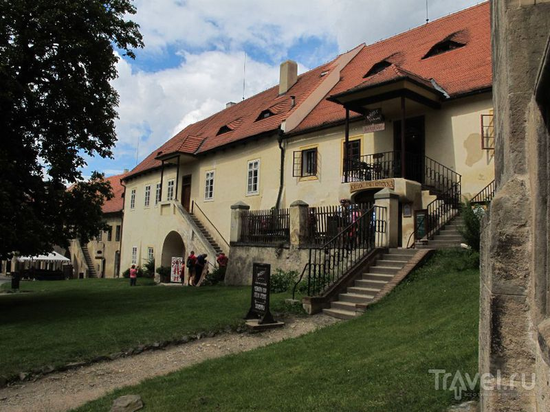 Во дворе замка / Чехия