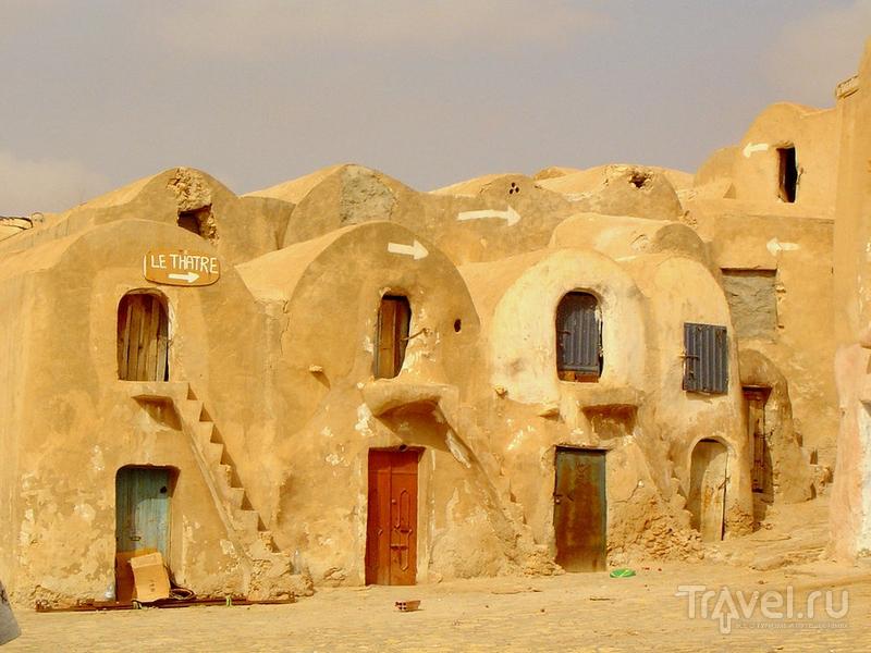 Глинобитные зернохранилища в Тунисе / Тунис