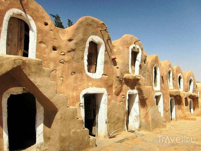 Желто-песочные ландшафты Татауина, Тунис / Тунис