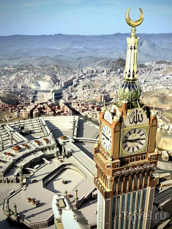 46-метровые часы на самой высокой башне комплекса Makkah Clock Royal Tower / Саудовская Аравия