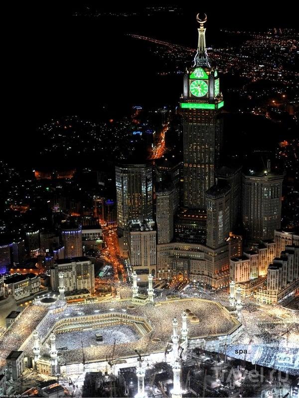 Комплекс высотных зданий Makkah Clock Royal Tower в Мекке / Саудовская Аравия