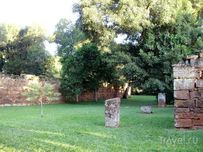 Руины индейских домов / Аргентина