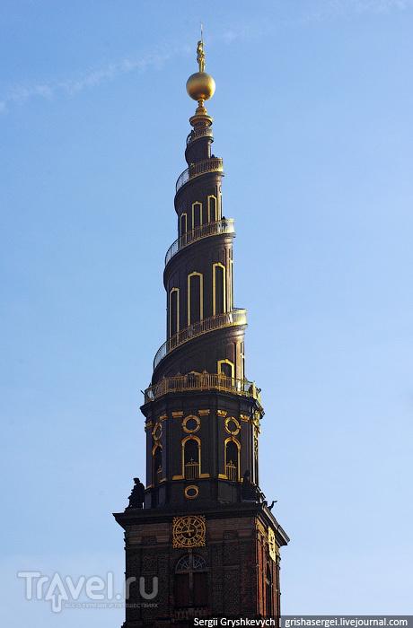 Спиральный шпиль с винтовой лестницей / Дания