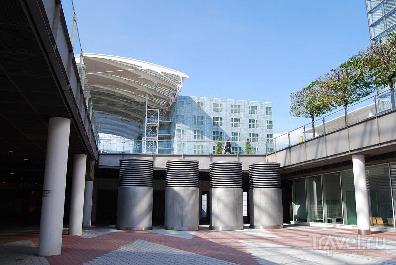 У терминала 2 мюнхенского аэропорта, Германия / Фото из Германии