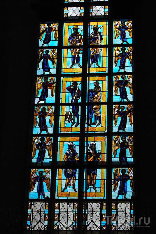 Церковный витраж в Мюнхене,