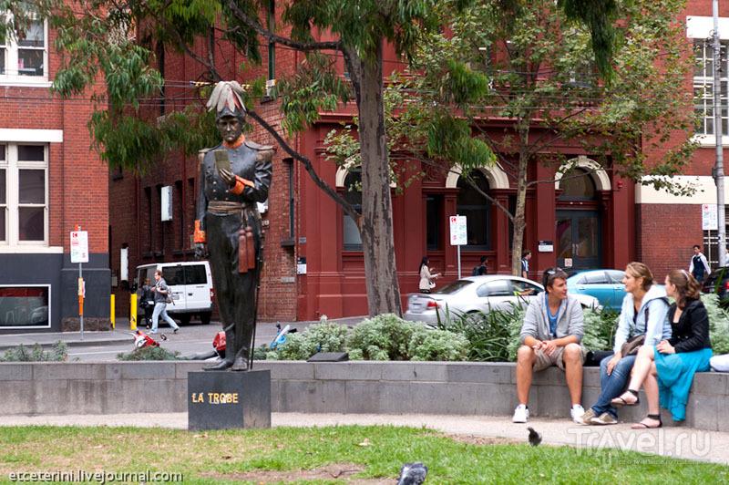 Статуя губернатора Виктории Чарльза Ла Тробе в Мельбурне / Фото из Австралии