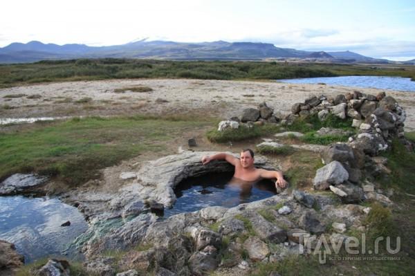 Каменная ванна с горячей водой / Исландия
