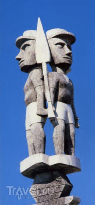 Мадагаскар. Кладбища / Мадагаскар