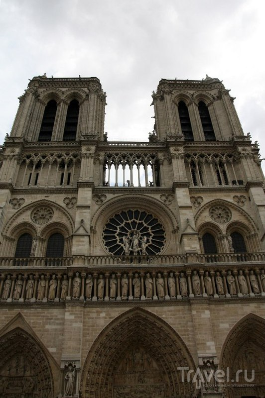 Париж, торжественный и неподражаемый - остров Сите и метрополитен / Франция