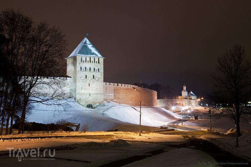 Белая осень под стенами Новгорода / Россия