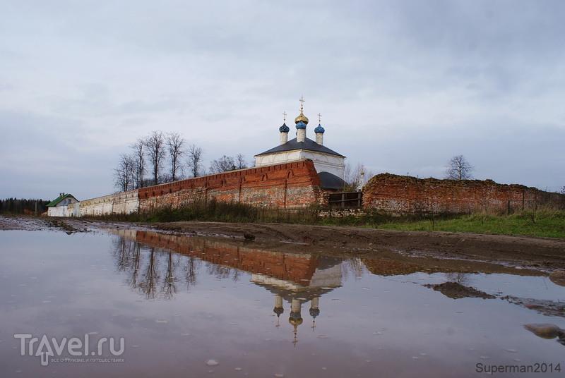 Свято-Лукианова пустынь / Россия