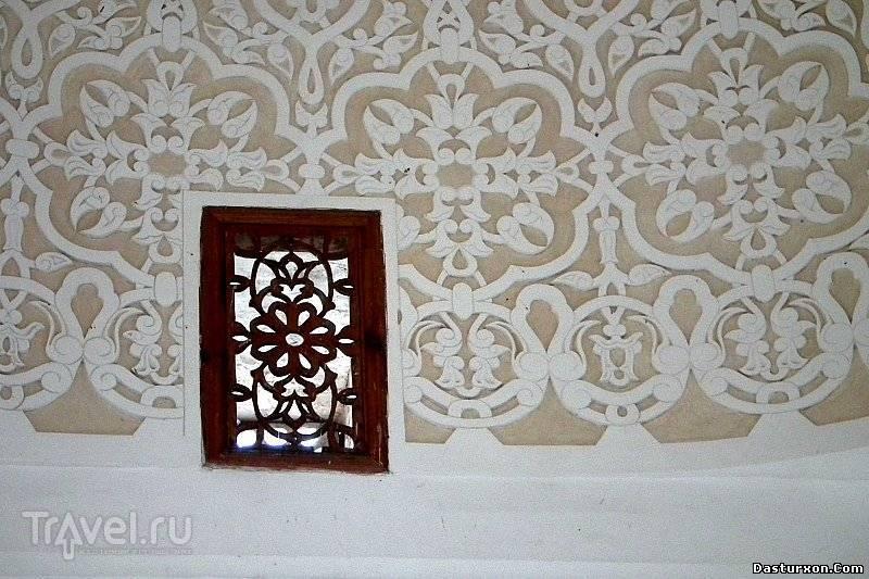 Terra Termez. В мавзолее Термизий / Узбекистан