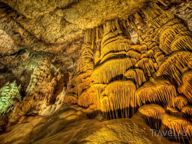Авшалом - одна из самых красивых и посещаемых пещер Израиля / Израиль