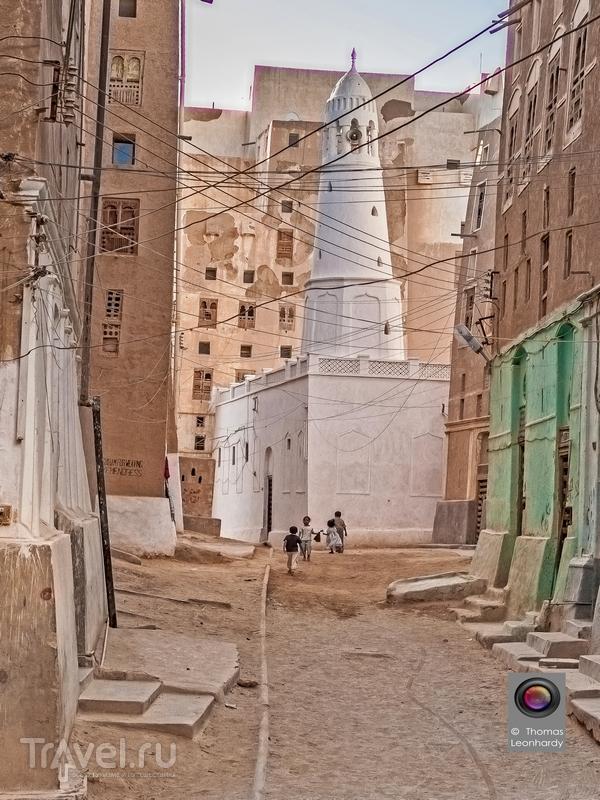 Мечеть в Шибаме - городе глиняных небоскребов, Йемен / Йемен