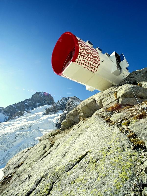 Горное убежище названо в честь итальянского альпиниста Джусто Джервазутти / Италия