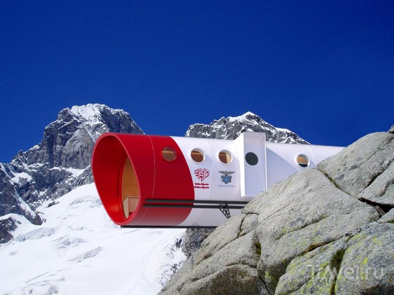 Футуристическая форма Bivacco Gervasutti необходима для минимизации последствий сильных снегопадов / Италия