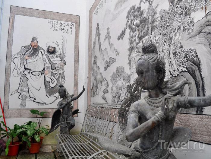 Росписи во дворике для медитации Pinang Peranakan / Фото из Малайзии