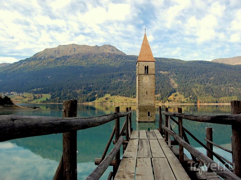 Башня, построенная в XIV веке, была затоплена в 1950 году, Италия / Италия
