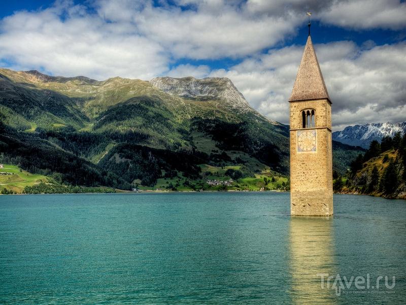 Колокольня символизирует веру в прогресс, Италия / Италия