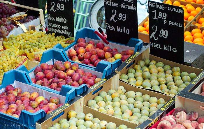 Рынок Альберт Каупмаркт в Амстердаме / Фото из Нидерландов