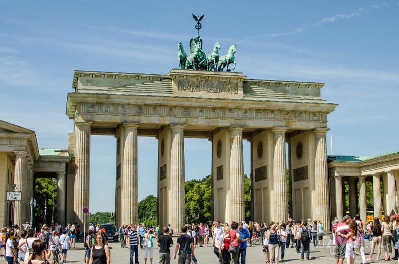 Бранденбургские ворота в Берлине / Фото из Германии