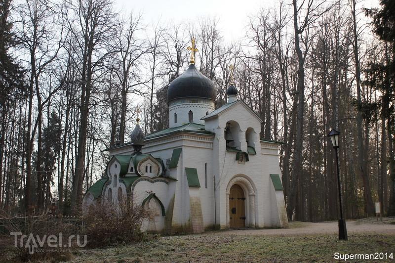 Церковь Спаса Нерукотворного в Абрамцево / Фото из России