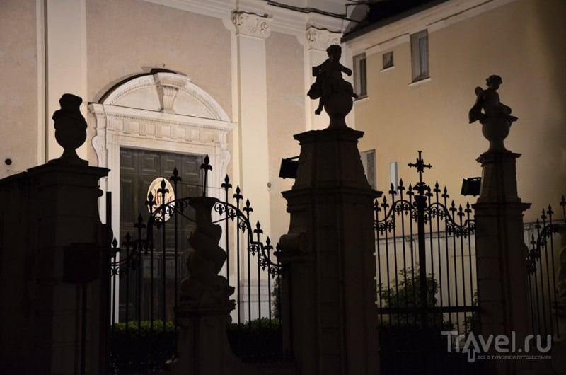 Церковь на Piazza del Foro / Фото из Италии