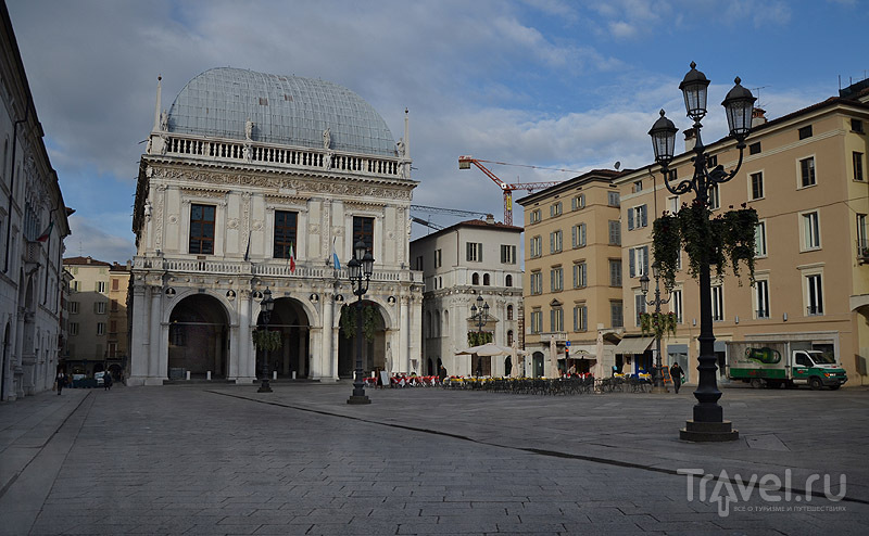 """""""Венецианская"""" Piazza della Loggia в Брешии / Фото из Италии"""