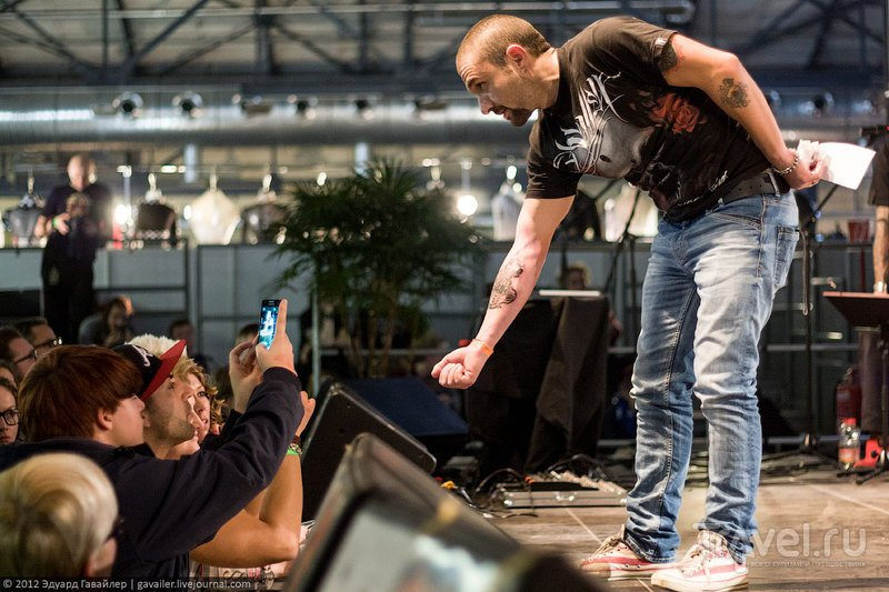 Искусство татуировки на международной конвенции в Берлине / Германия