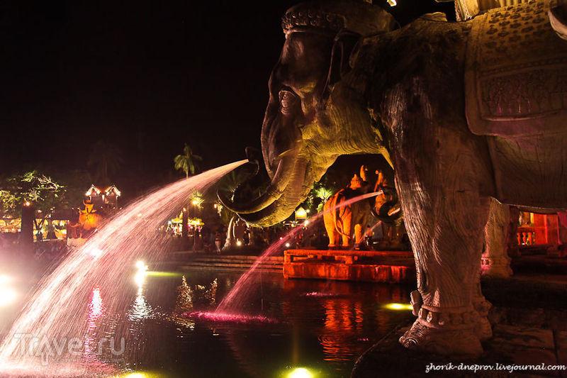 Страна улыбок 3. FantaSea Show: парк или барахолка? / Таиланд