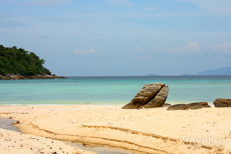 Таиланд. Остров Ко Рача-Яй (Ko Racha Yai). Велосипедная прогулка / Таиланд
