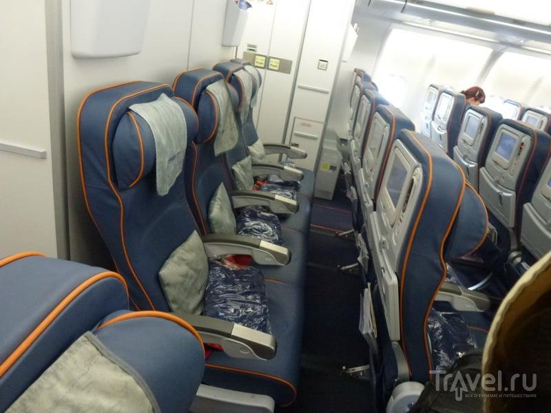 Салон Airbus A330 // Юрий Плохотниченко, Travel.ru.