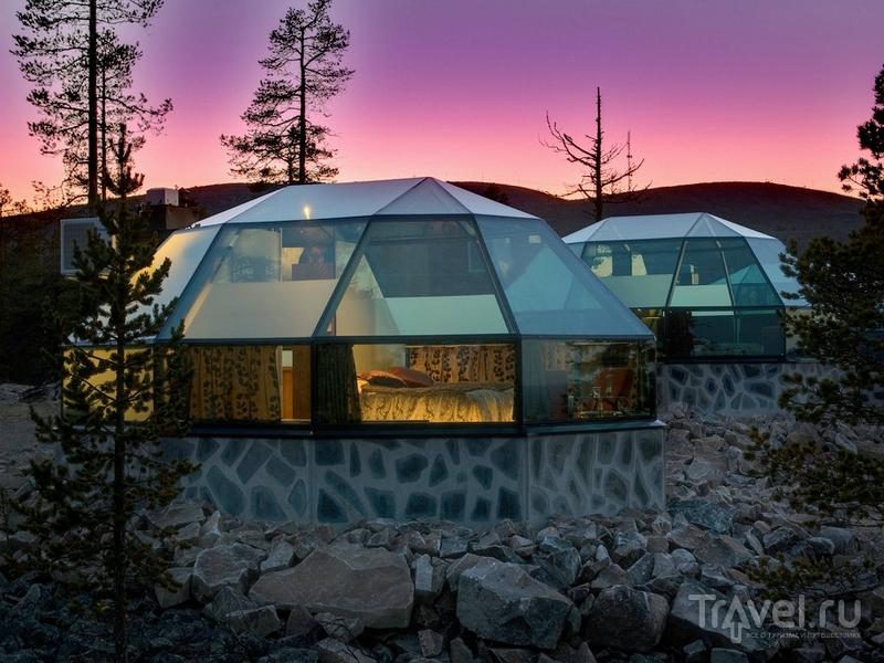Стеклянные иглу, сквозь прозрачный потолок которых можно любоваться звездным небом, в Лапландии / Финляндия