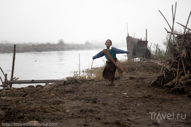 Бирма. Инле. Сопливое детство на берегу озера / Мьянма
