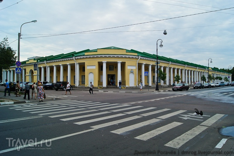Гостиный двор в  Кронштадте / Фото из России