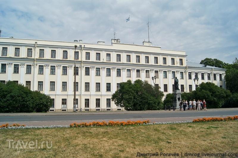 Здание Итальянского дворца в  Кронштадте / Фото из России