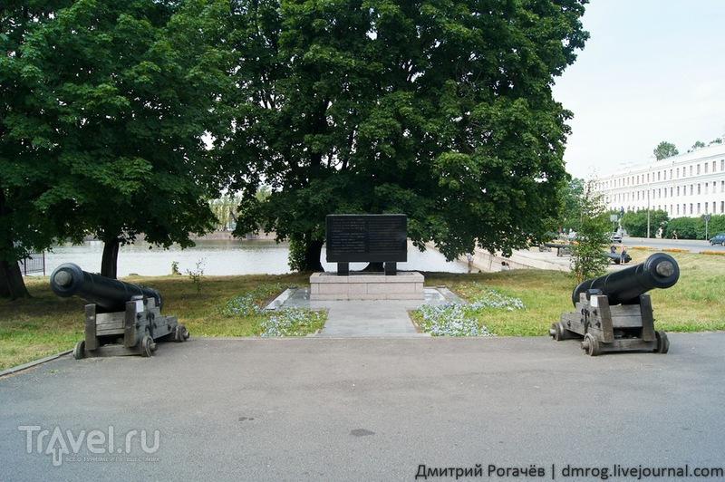 Русско-японский памятный камень в  Кронштадте / Фото из России