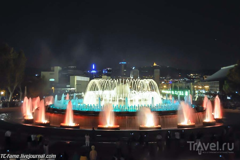 Ночная Барселона. Поющие фонтаны. Саграда Фамилия / Испания