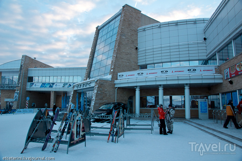 """Центр """"Оазис"""" - главное здание горнолыжного комплекса, Красноярск / Фото из России"""