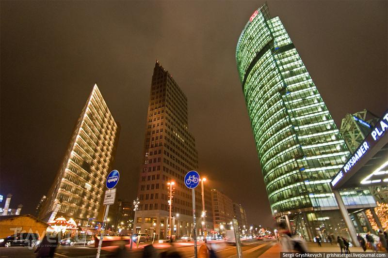 """Здание PricewaterhouseCoopers, башня Кольхоф и здание """"Дойче Бан"""" в Берлине / Фото из Германии"""